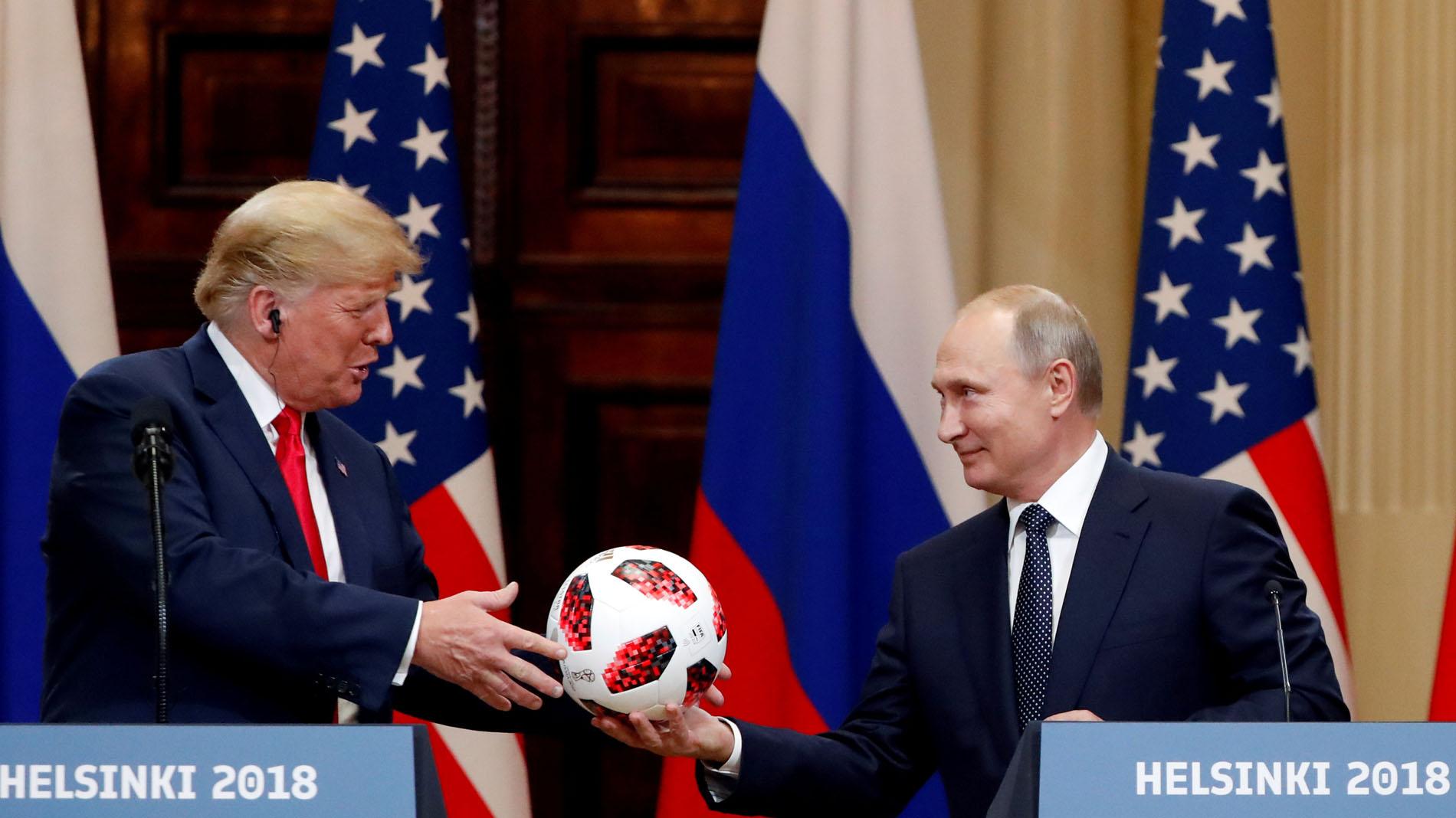 Trump invita a Putin a la Casa Blanca en octubre