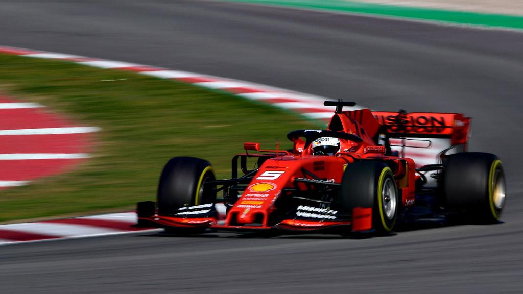 Vettel domina el test de Montmeló y Carlos Sainz ilusiona con un segundo puesto