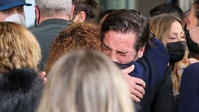 David Bustamante llorando, la imagen más devastadora del entierro de Álex Casademunt