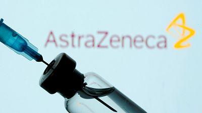 AstraZeneca ofrece a la UE nueve millones de dosis adicionales hasta abril, pero entregará la mitad de lo acordado