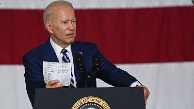 Biden llama a defender el derecho al voto ante varias restricciones estatales