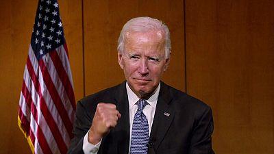 Biden se corona oficialmente como candidato presidencial rodeado del pasado y el futuro del partido demócrata
