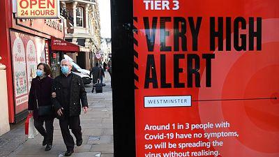 Johnson confina Londres y endurece las medidas ante el avance de una nueva cepa más contagiosa