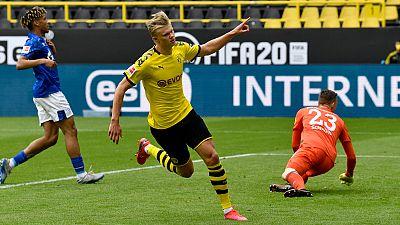 Exhibición ofensiva del Borussia Dortmund ante el Schalke en la vuelta del fútbol