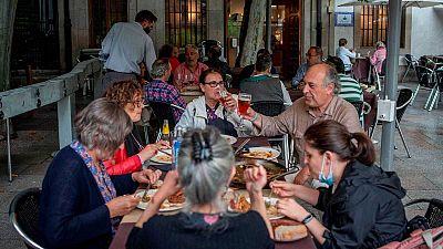 Canarias se suma a Galicia en exigir el certificado COVID para acceder a interiores