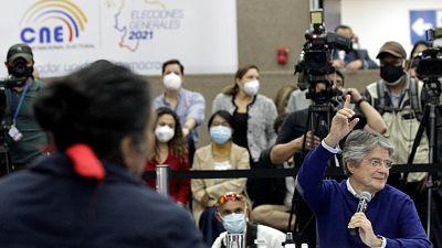 Los candidatos Arauz y Lasso pasan a la segunda vuelta de las presidenciales de Ecuador