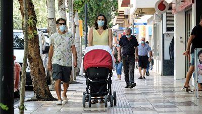 Casi el 60% de la población española apuesta por medidas aún más estrictas contra el coronavirus, según el CIS