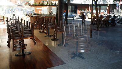 Cataluña cierra bares y restaurantes durante 15 días para frenar el avance del coronavirus