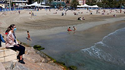 La mascarilla solo será obligatoria en la playa para pasear y si no hay distancia de seguridad entre las personas