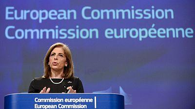 La UE publica el contrato con AstraZeneca pero oculta las cantidades y las fechas de entrega de las dosis
