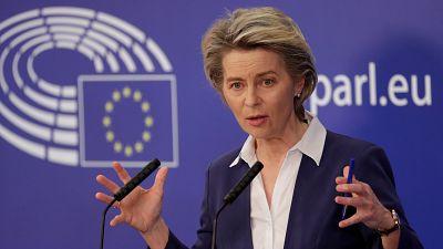 La Unión Europea pacta con Pfizer adelantar 50 millones de dosis para cubrir los retrasos de Janssen y AstraZeneca