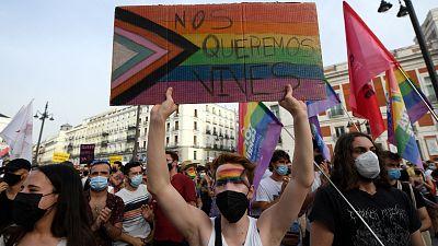 """Colectivos LGTBI se manifiestan en varias ciudades contra el """"odio y la violencia"""" tras el crimen de Samuel"""