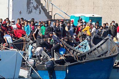 La llegada de migrantes a Canarias por mar crece un 1.019% en lo que va de año y supera al resto de España