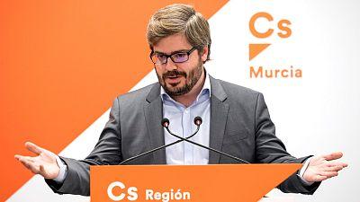 """Cs critica a Hervías por irse """"al partido de Bárcenas"""" y le acusa de estar detrás de los """"tránsfugas"""" de Murcia"""