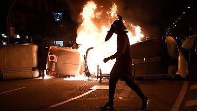 Destrozos en bancos y comercios en la cuarta noche de altercados en Cataluña en apoyo a Pablo Hasel