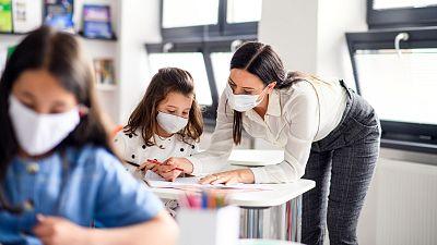 """Los docentes no ven segura la vuelta al cole: """"La responsabilidad recae en nosotros, pero no somos sanitarios"""""""