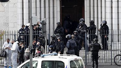 """Al menos tres muertos en un """"ataque terrorista islamista"""" con cuchillo en una iglesia en Niza"""