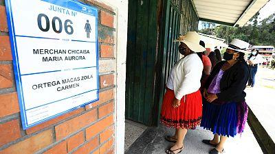 Ecuador vota en medio del drama sanitario y social