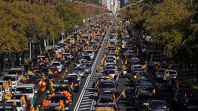 La educación concertada saca a la calle a miles de coches contra la 'ley Celaá' en una treintena de provincias