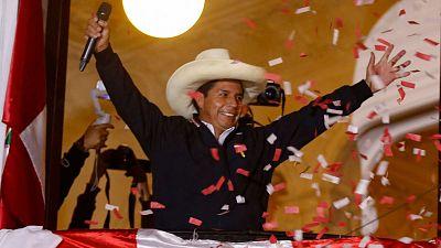 Castillo se proclama ya vencedor de las elecciones aunque el recuento aún no ha terminado
