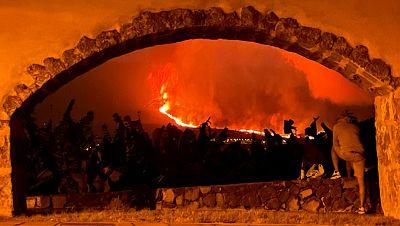 La erupción de La Palma, un espectáculo hipnótico en mitad de la tragedia