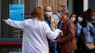 La llegada de vacunas se multiplica: ¿España está preparada para aumentar el ritmo de vacunación?