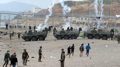 España despliega al Ejército en Ceuta tras la entrada de más de 8.000 migrantes