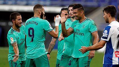 Una genialidad de Benzema coloca al Real Madrid dos puntos por encima del Barça tras ganar al Espanyol