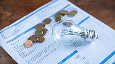La factura de la luz de junio será la segunda más cara de la historia: pagaremos casi 28 euros más, según Facua