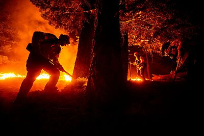 El fuego en la costa oeste de Estados Unidos cerca la ciudad de Portland y deja decenas de muertos y desaparecidos