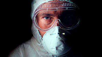 """Gabriel Heras, 'en primera línea' de la UCI: """"Nunca se han hecho tantas cosas en medicina sin ningún tipo de evidencia"""""""