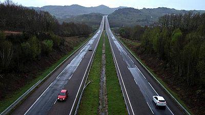 El Gobierno promete a Bruselas introducir peajes en las autovías para reducir el déficit en carreteras