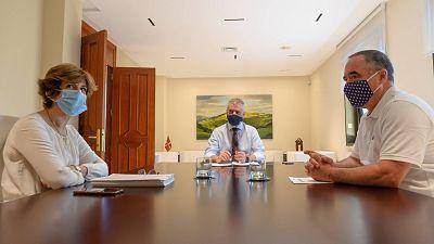 """El Gobierno vasco advierte que la región afronta """"una segunda ola"""" de coronavirus y pide reducir la actividad social"""