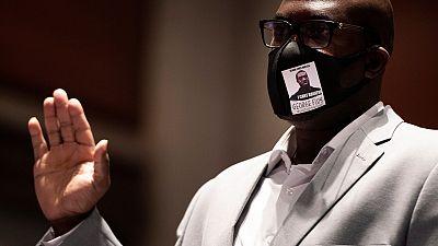 """El hermano de George Floyd pide al Congreso de EE.UU. que """"ponga fin al sufrimiento"""" de los afroamericanos"""