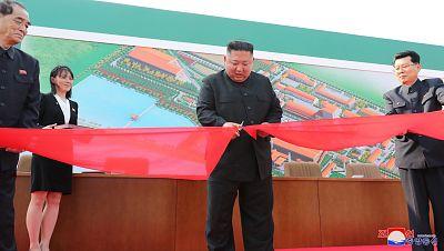 Kim Jong-un reaparece en los medios oficiales norcoreanos tras los rumores sobre su estado de salud