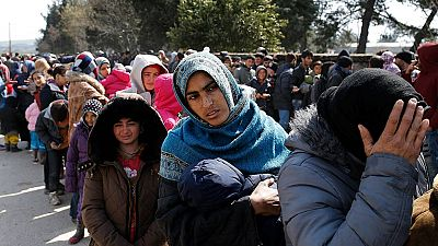 """""""Legal y temporalmente detenidos"""", la bienvenida a los refugiados en Lesbos"""