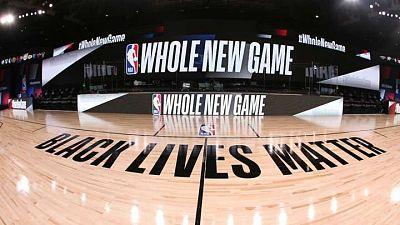 Con el lema 'Black Lives Matter', así es la cancha de juego de la NBA en la burbuja de Orlando