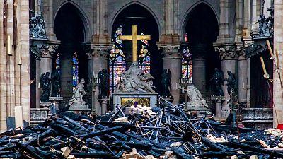 """Macron pone un plazo de cinco años para reconstruir Notre Dame y convertir la """"catástrofe"""" en un símbolo de unión"""