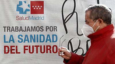 Madrid asegura que sus restricciones por barrios funcionan y pide al Gobierno que reconsidere la orden