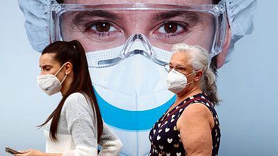 """Madrid trata de frenar el avance de la pandemia con un plan para el que pide """"seguridad jurídica"""""""