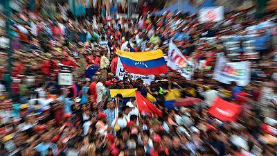 Maduro o Guaidó, un pulso de legitimidad que divide a los venezolanos y a la comunidad internacional