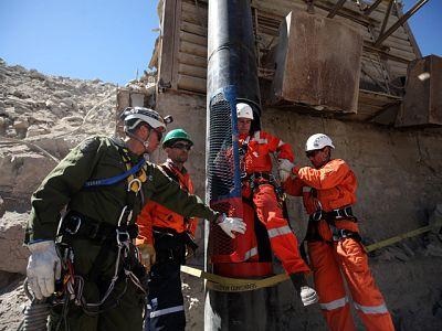 Cronología: Más de dos meses para rescatar a los mineros de Chile
