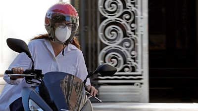 La mascarilla ya es obligatoria en los espacios publicos y en todos los medios de transporte