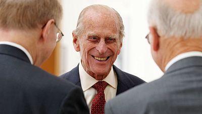 """Las """"meteduras de pata"""" y deslices más memorables del duque de Edimburgo"""