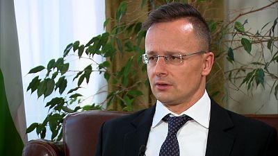 """El ministro de Exteriores húngaro: """"Bruselas quiere gestionar la inmigración. Nosotros queremos pararla"""""""
