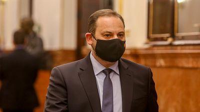 """Ábalos cree que Bildu ha sido más responsable que el PP en los PGE y Casado responde: """"No se puede pactar con ellos"""""""