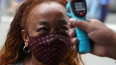 Los contagios de coronavirus se aceleran en el mundo cuando se cumplen tres meses de la declaración de la pandemia