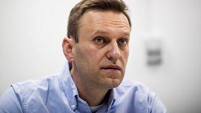 """El opositor ruso Navalny sale del coma inducido y muestra """"mejorías en su estado de salud"""""""