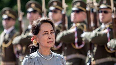 El partido de Suu Kyi gana las elecciones de Birmania con mayoría absoluta