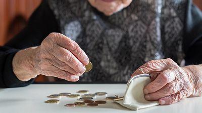 Las pensiones se llevan 37,3 euros de cada cien de los presupuestos y una transferencia récord del Estado